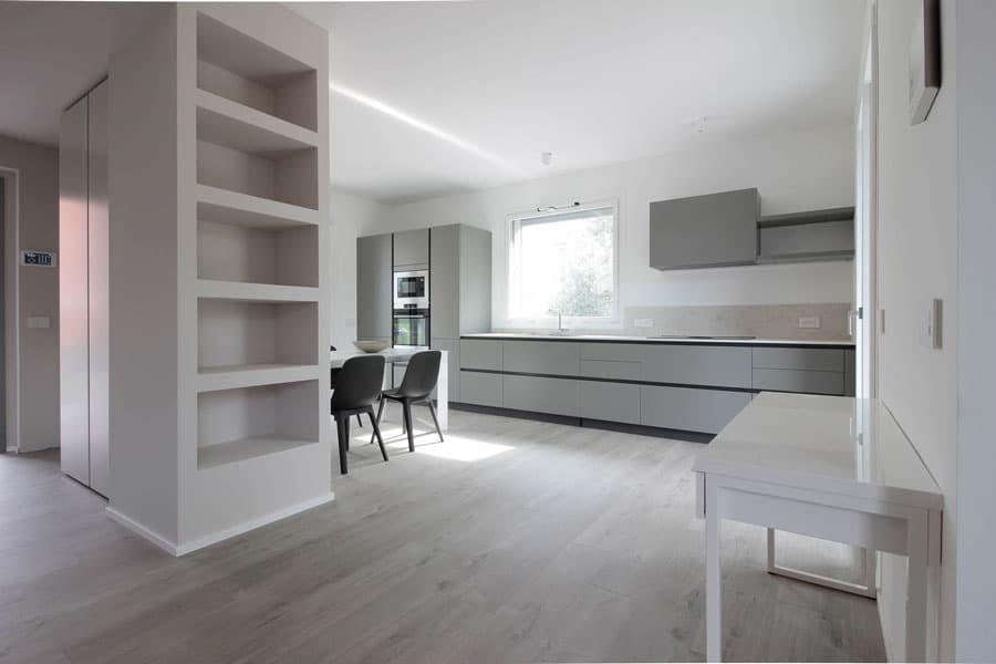 una-casa-per-quattro-soggiorno-e-ingresso-progetto-moodcreativo
